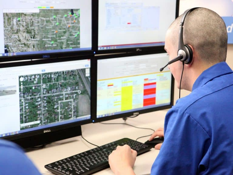 When Should an Owner-Operator Hire A Dedicated Truck Dispatch Service?