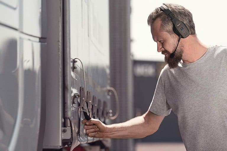 What Is the Best Bluetooth Headset for Truckers?
